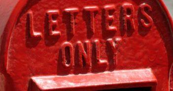 Wie bringe ich einen Briefkasten fassadenschonend an?