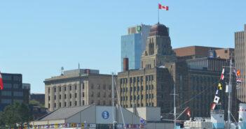 Immobilien in Kanada: In Ferienwohnung, Ferienhäuser, Gewerbeimmobilien oder Grundstücke investieren?