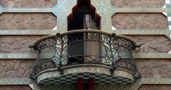 Balkongeländer: elf Fußspuren des Zeitgeists auf deutschen Balkonen