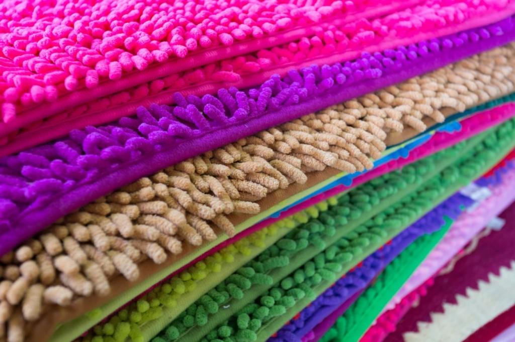 Die Fußmatten aus Microfaser haben Vorteile in der Pflege. nebenbei gibt es sie in vielen interessanten Farben. (#4)