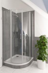 Duschen mit Stil: Einbauen von halbrunden Duschkabinen für optimale Platzausnutzung