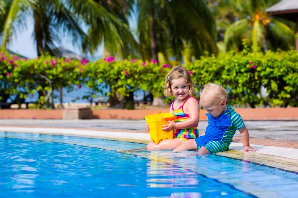 Swimmingpool: Neben den vielen Vorteilen gibts es auch hier ein paar Nachteile.  (#02)