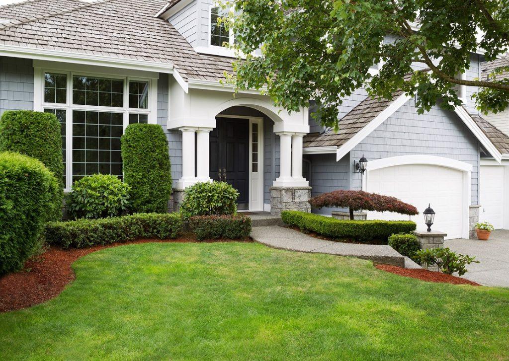 Der Vorgarten ist ein wichtiger Bereich Ihres Außengeländes: auch wenn er aktiv nicht genutzt wird, so fällt er Besuchern neben dem Haus als erstes ins Auge. (#08)