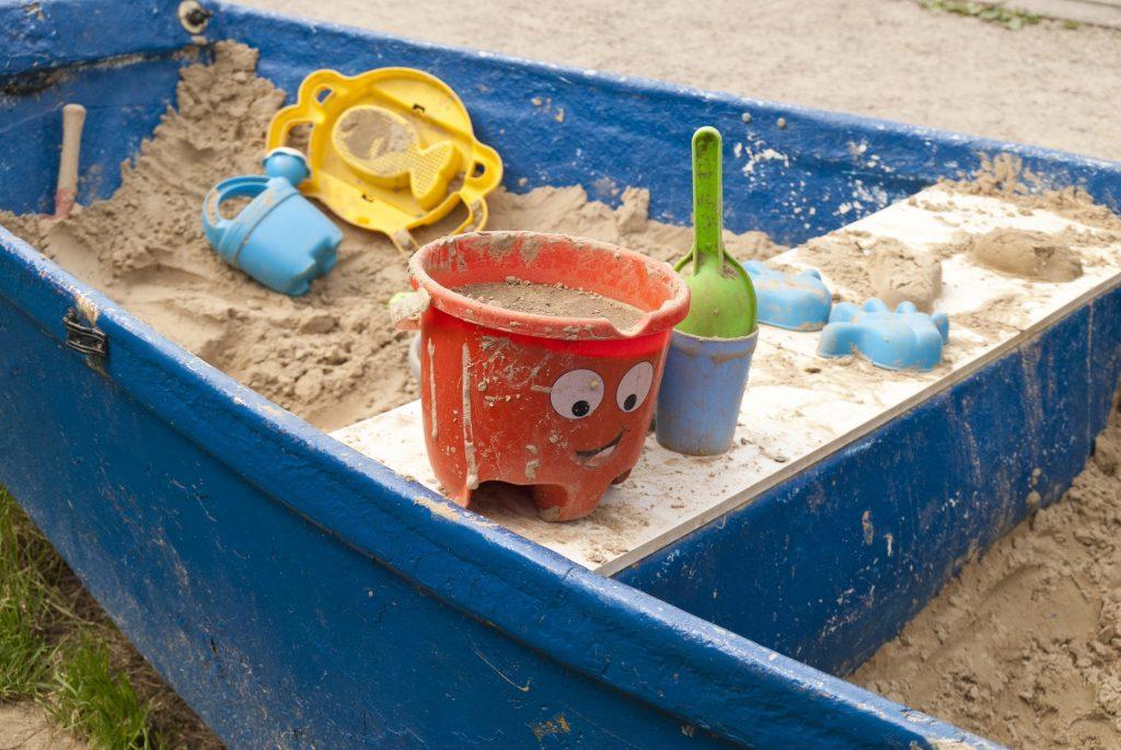 Sandkasten im Ruderboot, nicht nur in Hamburg eine tolle Idee
