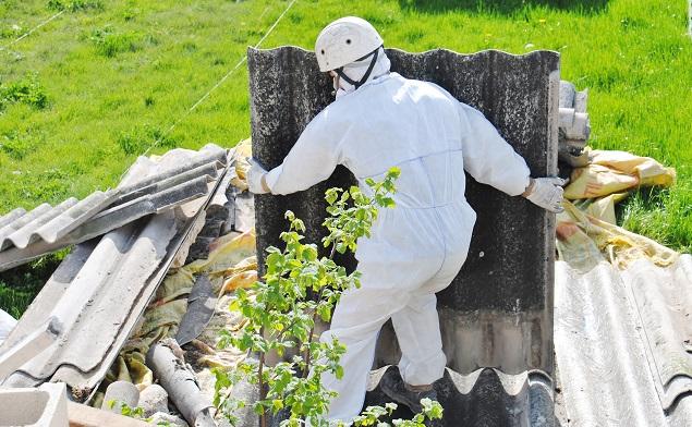 Aufgrund der vom Asbest ausgehenden, krebserregenden Gefahr, gelten für die Asbestentsorgung besondere Bestimmungen. (#01)
