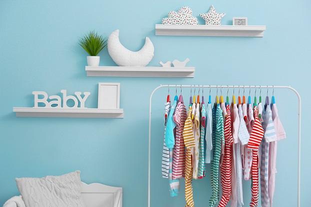 Mit ein wenig Fantasie und handwerklichem Geschick entsteht aus Möbeln, die schon etwas älter oder nicht mehr ganz so hübsch sind, ein Highlight fürs Babyzimmer.(#03)