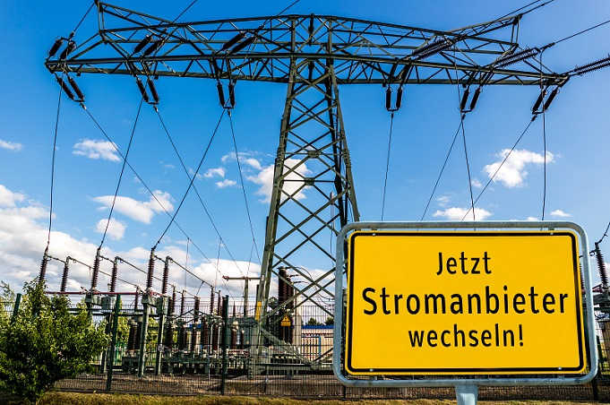 Entscheiden sich Kunden dann für die Nutzung von Ökostrom, so bedeutet dies, dass sie hier in erster Linie die regenerative Energie fördern, die aus dem Ausland kommt. (#02)
