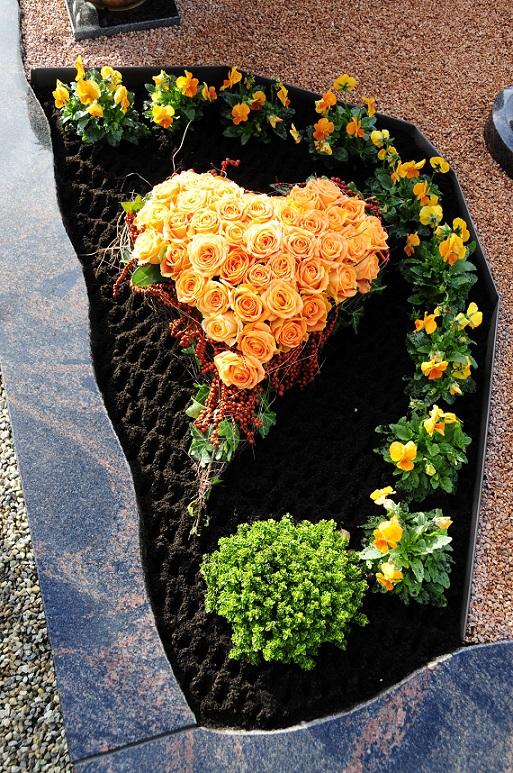 grabgestaltung: 20 ideen für schöne gräber, Terrassen ideen