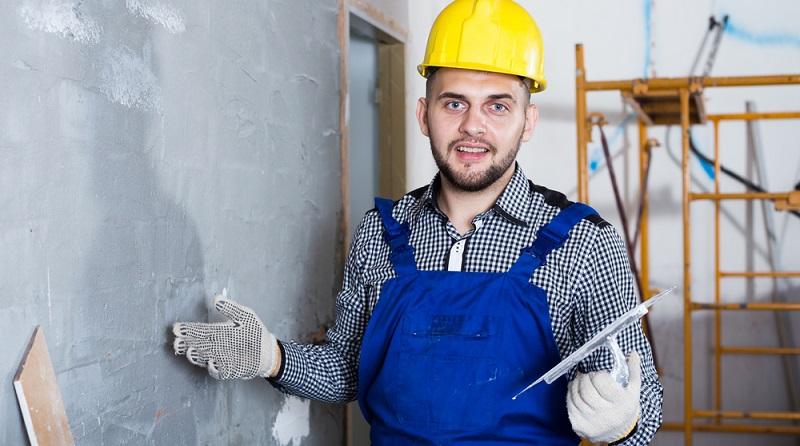 Egal ob ein neu gebautes Haus oder eine Komplettsanierung von Grund auf. Das Mauer verputzen gehört dazu. (#01)