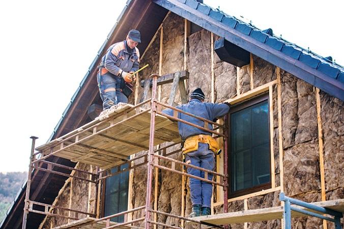 Jede Arbeit am Haus kostet Geld und dieses Geld muss durch einen Kredit abgedeckt werden. Wer nun einige der Arbeiten selbst übernimmt, der spart sich dieses Geld. Gespart wird dabei an den Lohnkosten der Handwerker, Materialien müssen dennoch gekauft werden. (#03)