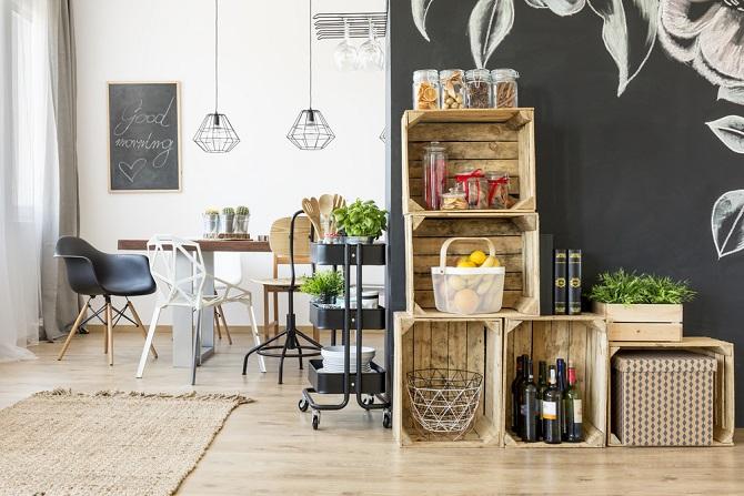 Auch Wein- und Obstkisten eignen sich – ebenso wie Paletten – sehr gut, um seine Handwerks- und Bastel-Kreativität auszuleben. Auch wiederum gerade für Anfänger und weniger erfahrene DIY-Bastler. (#02)