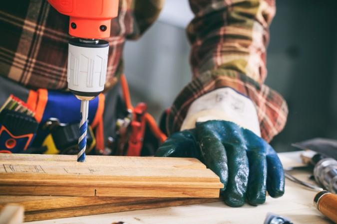 Beim Holz bohren bitte unbedingt auf die richtige Drehzahl achten, sonst leidet das Werkstück oder es wird unsauber (#5)