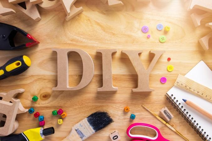 Am Besten schauen Sie vorab, ob Sie alle benötigten Werkzeuge für das DIY Projekt zu Hause haben. Ansonsten hilft ein Weg in den Baumarkt und ins nächste Bastengeschäft. (#6)