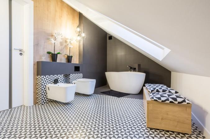 Aber auch ein Bad kann man problemlos in die Dachschrägen einbinden. Trauen Sie sich kreativ zu sein. (#2)