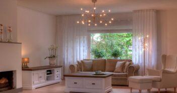 Stylishe Holz-Lampenfassungen für Leuchten im kreativen Design