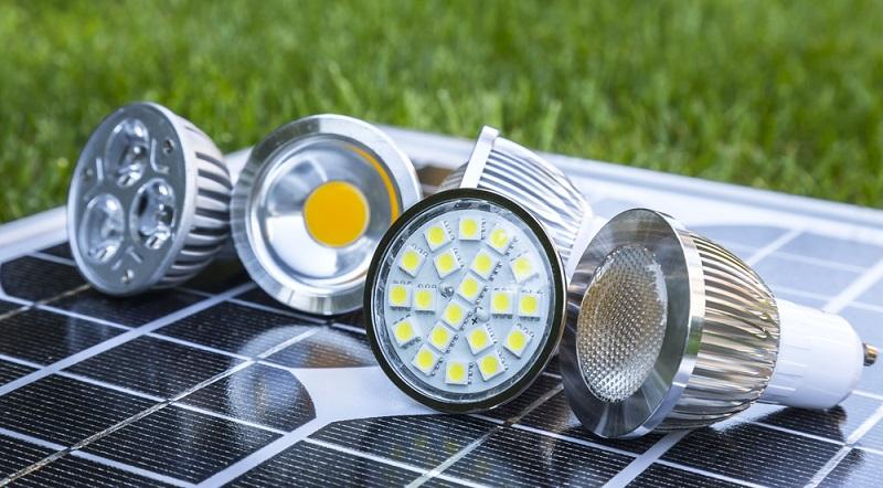 Wer es mit dem Energiesparen im Haushalt ernst meint, kommt an einem Austausch der Glühbirnen mit LEDs nicht vorbei. (#01)