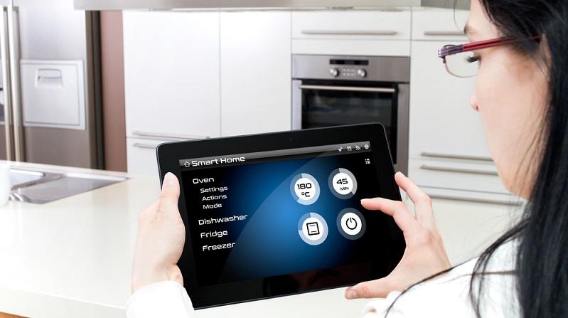 Mit den Smart Home-Geräten lässt sich Energie durch effizienteren Einsatz besser nutzen und so sparen. (#04)