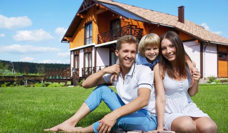 Paragraph 23 des Einkommenssteuergesetzes regelt, dass beim Hausverkauf innerhalb der ersten zehn Jahre nach dem Kauf keine Steuer zu zahlen ist, wenn dieses seit dem Kaufen selbst genutzt wurde. (#03)