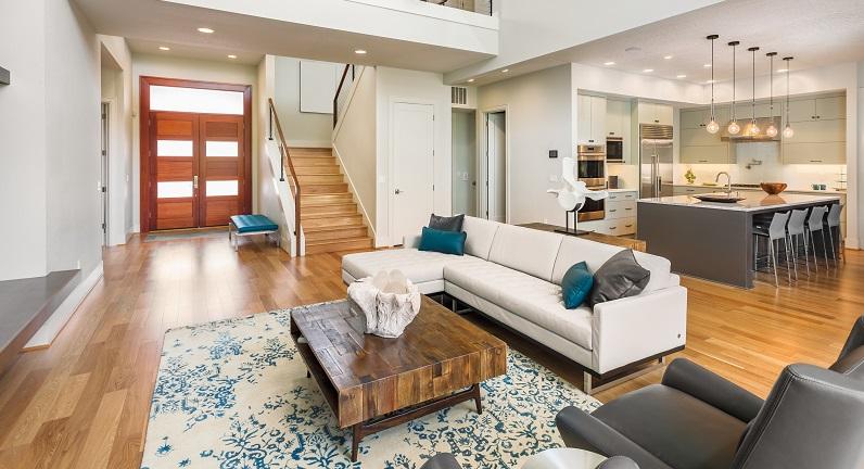 Stellen Sie nicht zu viel Deko auf, da Ihr Heim damit überladen wirkt. Außerdem müssen Sie sämtliche Dekorationsartikel einzeln zum Reinigen hochheben.(#01)