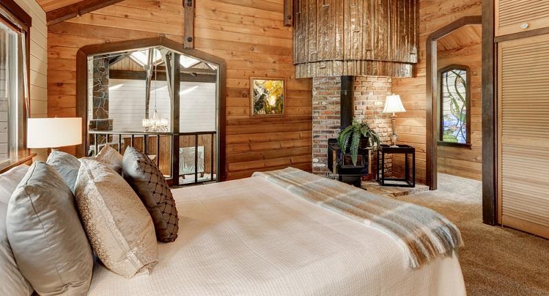 Der Landhausstil ist ein eher romantischer Wohnstil, der jedoch alle Freiheiten lässt. Wer ihn lebt, kann seine Möbel nahezu frei kombinieren, die Möbel und Einrichtungsgegenstände werden munter mit anderen Stilen in Zusammenhang gebracht. (#01)