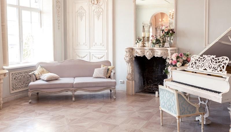 Viele Möbel sind zwar neu, sehen aber eher so aus, als wären sie frisch vom Flohmarkt oder aus Omas Dachboden geholt. (#02)