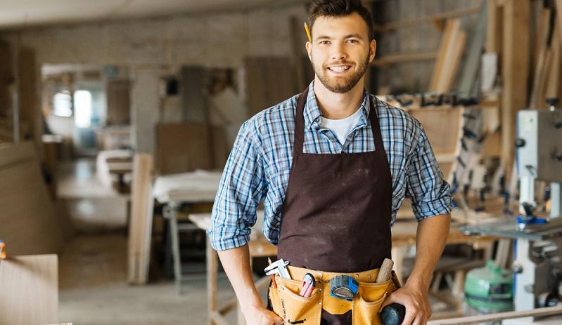 Die Bezahlung per Überweisung und das Absetzen der Handwerkerkosten von der Steuer sind deshalb der sichere, legale Weg, nicht unnötig viel Geld auszugeben. (#02)