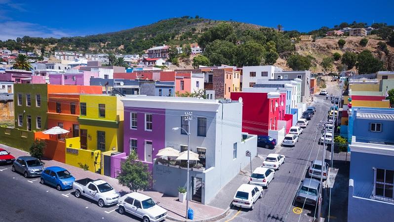 Der Farbton eines Hauses ist gewissermaßen die Visitenkarte des Gebäudes und vermittelt schon von weitem einen ersten Eindruck. (#06)