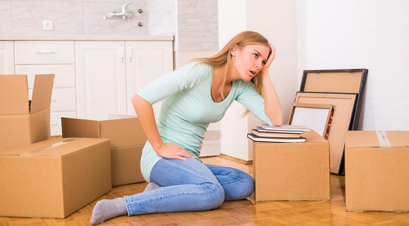 Wer zahlt meinen Umzug? Eine der wichtigsten Fragen, die sich Bezieher von Hartz IV stellen, wenn sie ihre Wohnung wechseln (müssen). Der Umzug in eine andere Stadt, weil der Betroffene hofft, am neuen Standort schneller einen Job zu finden. (#03)