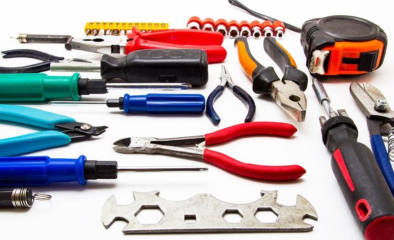 Der Mittelweg oder Kompromiss besteht darin, günstiges Werkzeug bei einem Qualitäts-Hersteller zu kaufen. (#04)