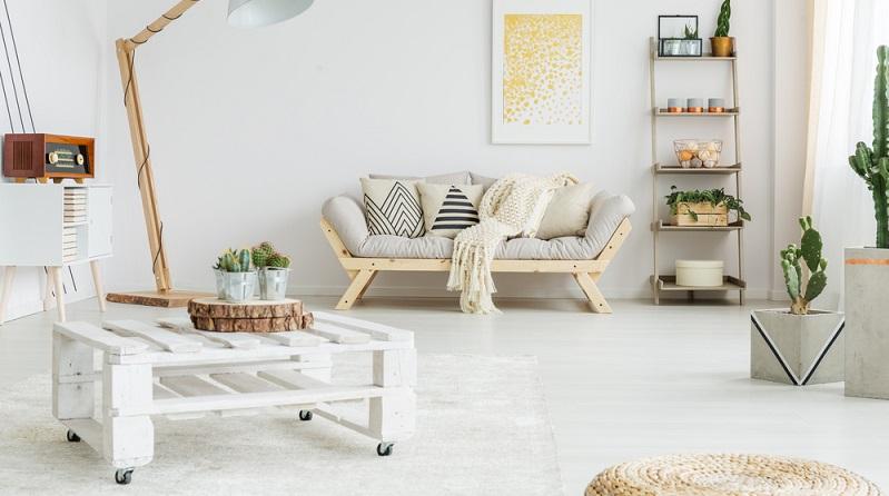 Ein Klassiker, der sich auch für Paletten-Einsteiger leicht umsetzen lässt, ist beispielsweise der Europaletten-Wohnzimmertisch. (#04)