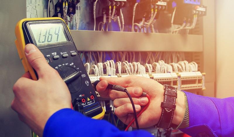 NFPA & UL Normen: In den USA ist der Umgang mit Strom und elektrischer Spannung per Gesetz geregelt. (#01)