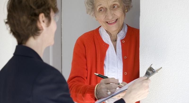 Sollte Ihnen der Monteur direkt nach seiner Ankunft ein Formular zur Unterschrift vor die Nase halten, sollten Sie unbedingt erst einmal lesen, was Sie da unterschreiben sollen. (#03)