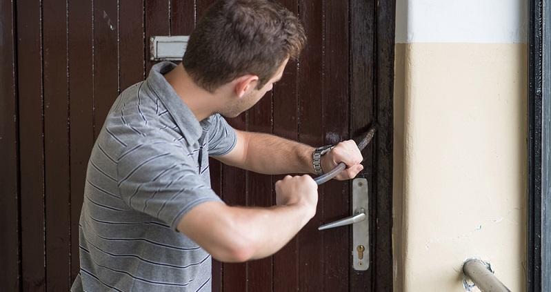 Denn kaum ein Heimwerker hat das passende Werkzeug, um ein Sicherheitsschloss ohne weitere Schäden zu öffnen (#01)