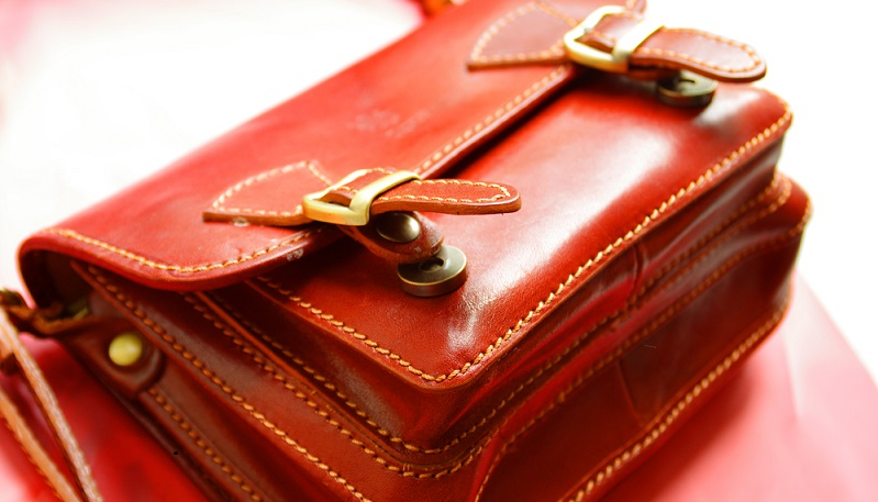 Magnete sind auach hier an der Tasche zu finden.(#03)