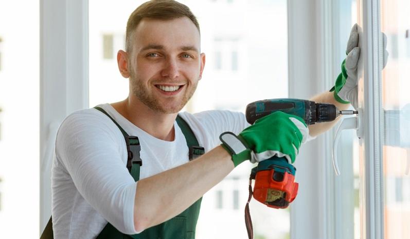 Heimwerken ist für viele Menschen einerseits eine beliebte Freizeitbeschäftigung und andererseits eine Möglichkeit, Geld zu sparen. (#01)