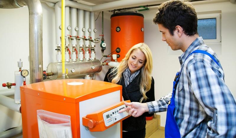 Verschiedene Aspekte bestimmen den Bedarf an Brennstoff. Bei der Berechnung müssen diese entsprechend berücksichtigt werden.