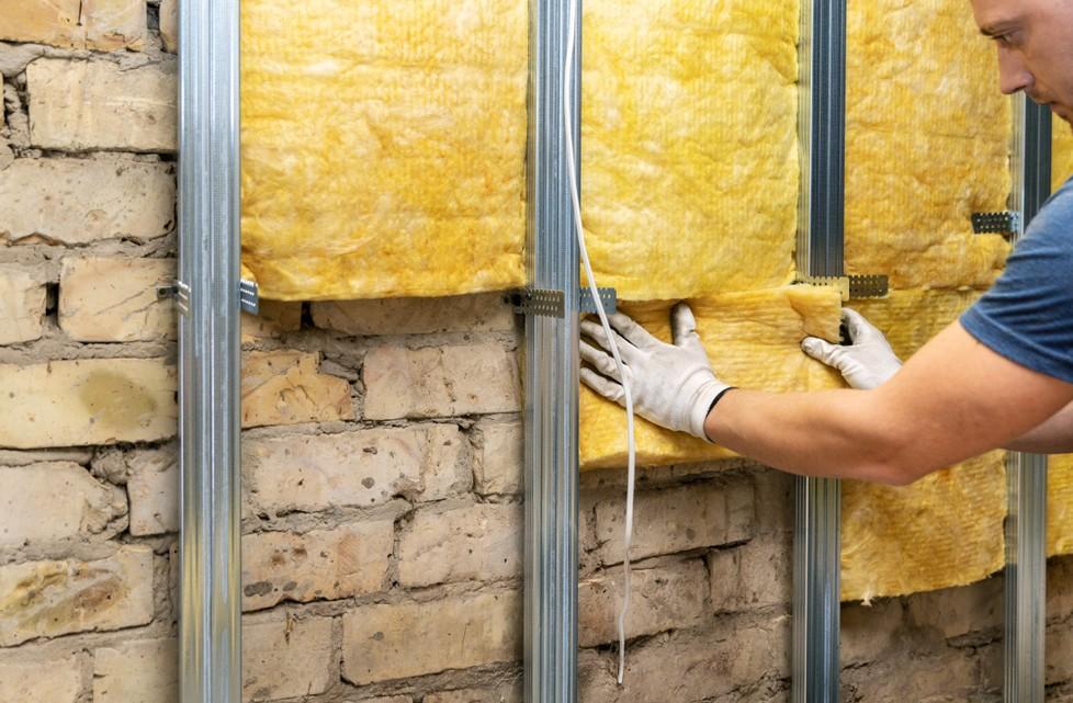 """Geld sparen beim Keller Ausbauen? Wer den """"kleinen Ausbau"""" wählt, weil der Keller nicht so intensiv genutzt wird, kann tatsächilch sparen.  Bei der Dämmung der Kellerwände sollte man bedenken, dass die Dämmung des Kellers auch die heizkosten der darüberliegenden Wohnungen reduziert. (#2)"""