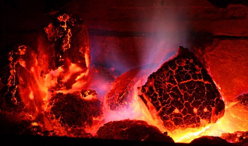 Dabei haben die verschiedenen Brennstoffe unterschiedliche Brennwerte: Braunkohle: 5,1 bis 5,5 kWh/kg