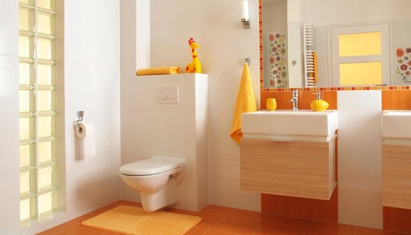 """Rauputz oder Streichen der Wände, Fliesenverlegung oder Verlegung von GFK-Platten? Es gibt viele Alternativen, die für die Gästetoilette infrage kommen und sich nur wenig an den bisherigen """"Renovierungs-Konventionen"""" orientieren."""