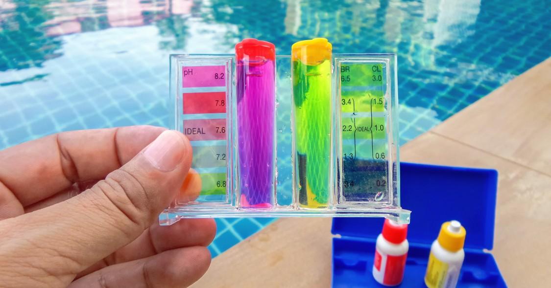 Den pH-Wert im Pool testen Sie mit den bekannten Teststreifen. Oder Sie benutzen die Testtabletten und das Teströhrchen. (#1)
