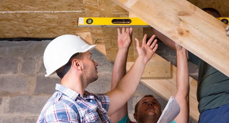 Bauherr und Bauunternehmer besichtigen dazu gemeinsam das Haus und fertigen ein Protokoll über die Besichtigung an.