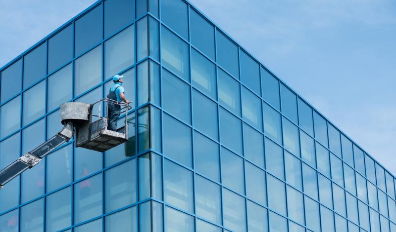 So bekommen Sie Fenster an Straßen ohne großen Aufwand wieder strahlend sauber werden.