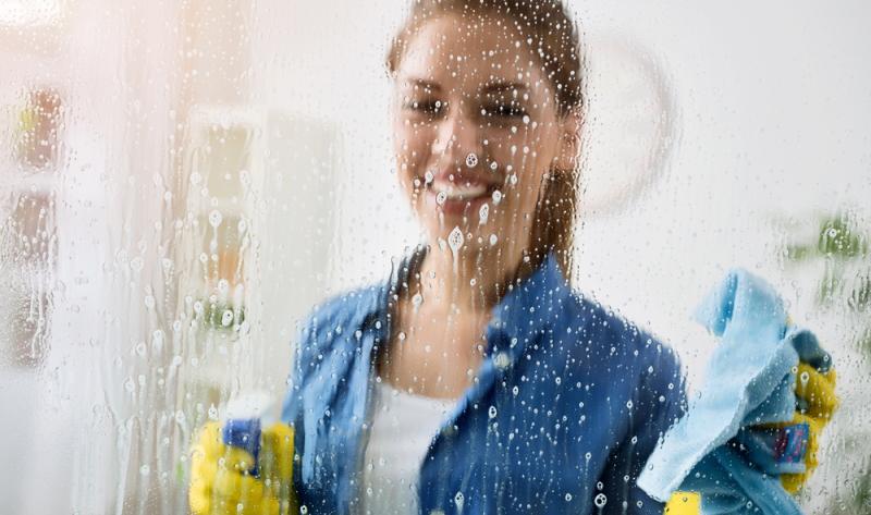 Reinigungstechnisch stellen folierte Scheiben eine besondere Herausforderung dar.