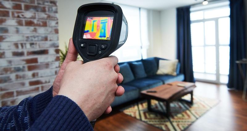 Genau anhand des Anwendungsbereichs funktioniert auch die Unterteilung zwischen den klassischen Thermometern und dem Pyrometer.