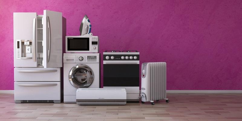 Lange Zeit galten Spülmaschinen als Luxus, insbesondere für kleine Haushalte. Doch inzwischen sind moderne Geräte effizienter als früher und verbrauchen wesentlich weniger Wasser und Energie zum Aufheizen.
