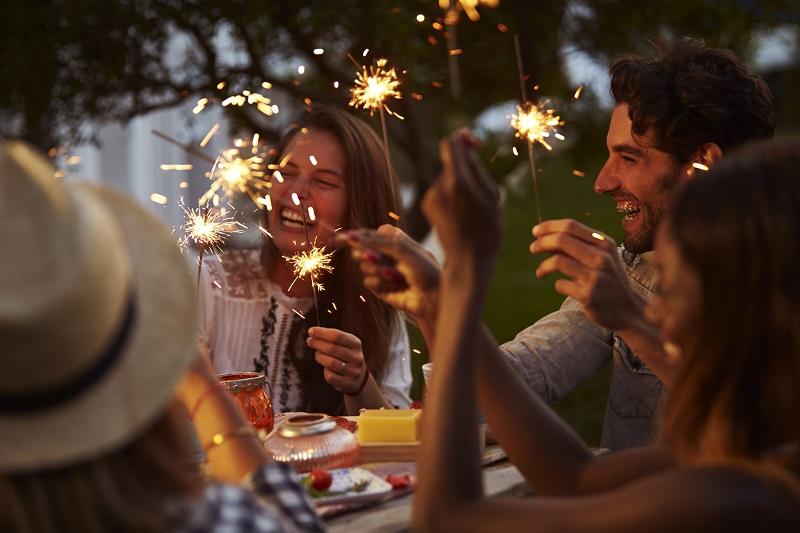 Lärmbelästigung durch eine Party: Zu laute Musik und Partylärm ist nicht gestattet! (#02)