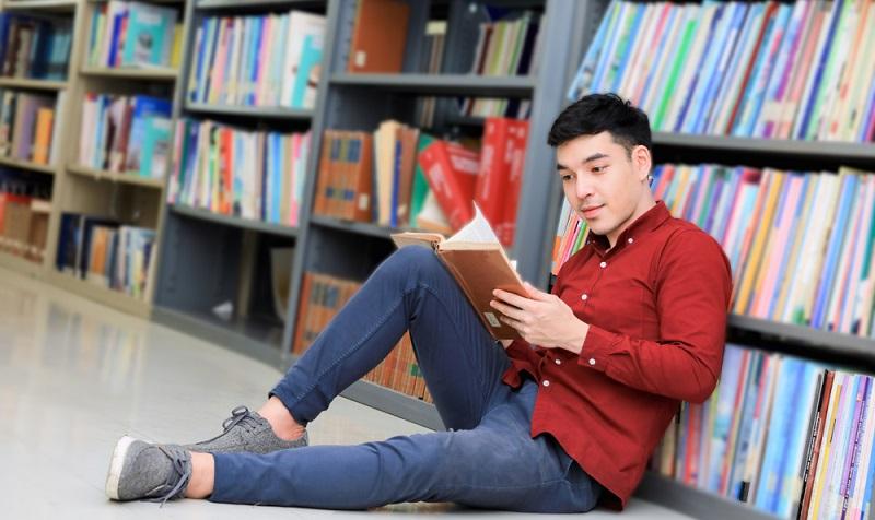Eine Bibliothek ist mehr als ein Aufbewahrungsort für Bücher. Ist sie richtig gestaltet, wird sie zu einem Ruhepol.