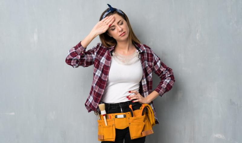 Arbeiten am Eigenheim müssen in der persönlichen Freizeit vorgenommen werden, denn auch dies kann einen Ausgleich zum Arbeitsalltag schaffen.