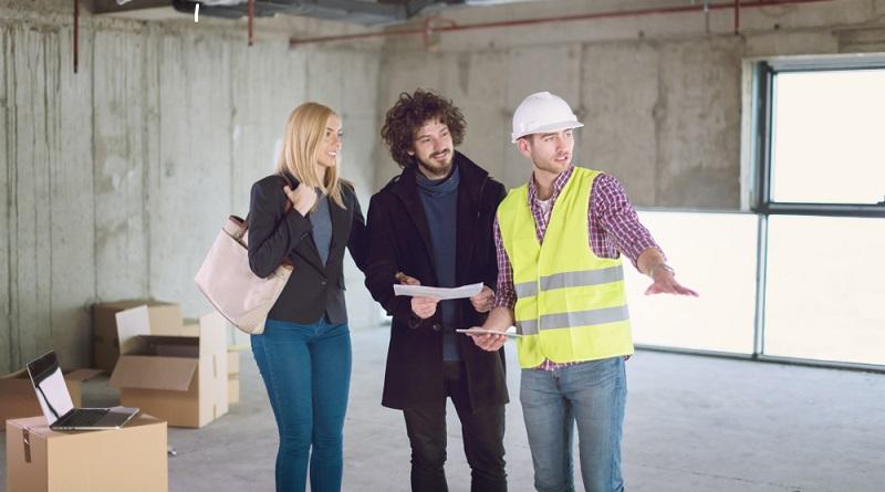Wer gerne bauen und dabei nicht selbst die Rolle des Bauherrn übernehmen möchte, macht sich auf die Suche nach einer Person, der er vertrauen kann.(Fotolizenz- shutterstock_dotshock)