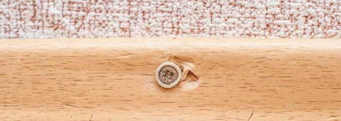 Sockelleisten schrauben: Auch das Anbringen mit Schrauben hat seine Vorteile. (Foto: Shutterstock - VVVproduct)